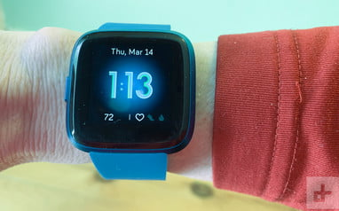 Fitbit Versa Lite Review: Trimmed-down With Features You Need